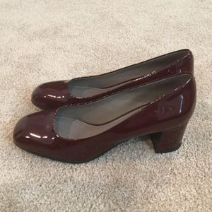 New Geox Wine Patent Leather pumps
